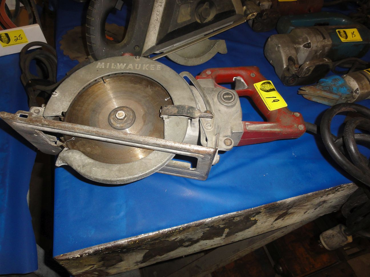 Lot 19 - Milwaukee Circle Saw