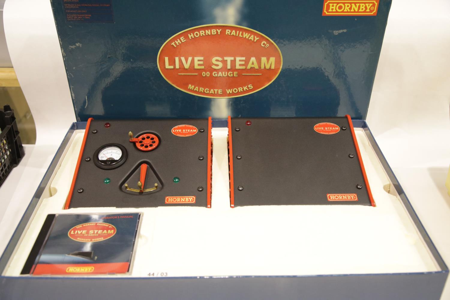 Hornby OO gauge live steam Mallard set, complete as new. P&P Group 3 (£25+VAT for the first lot