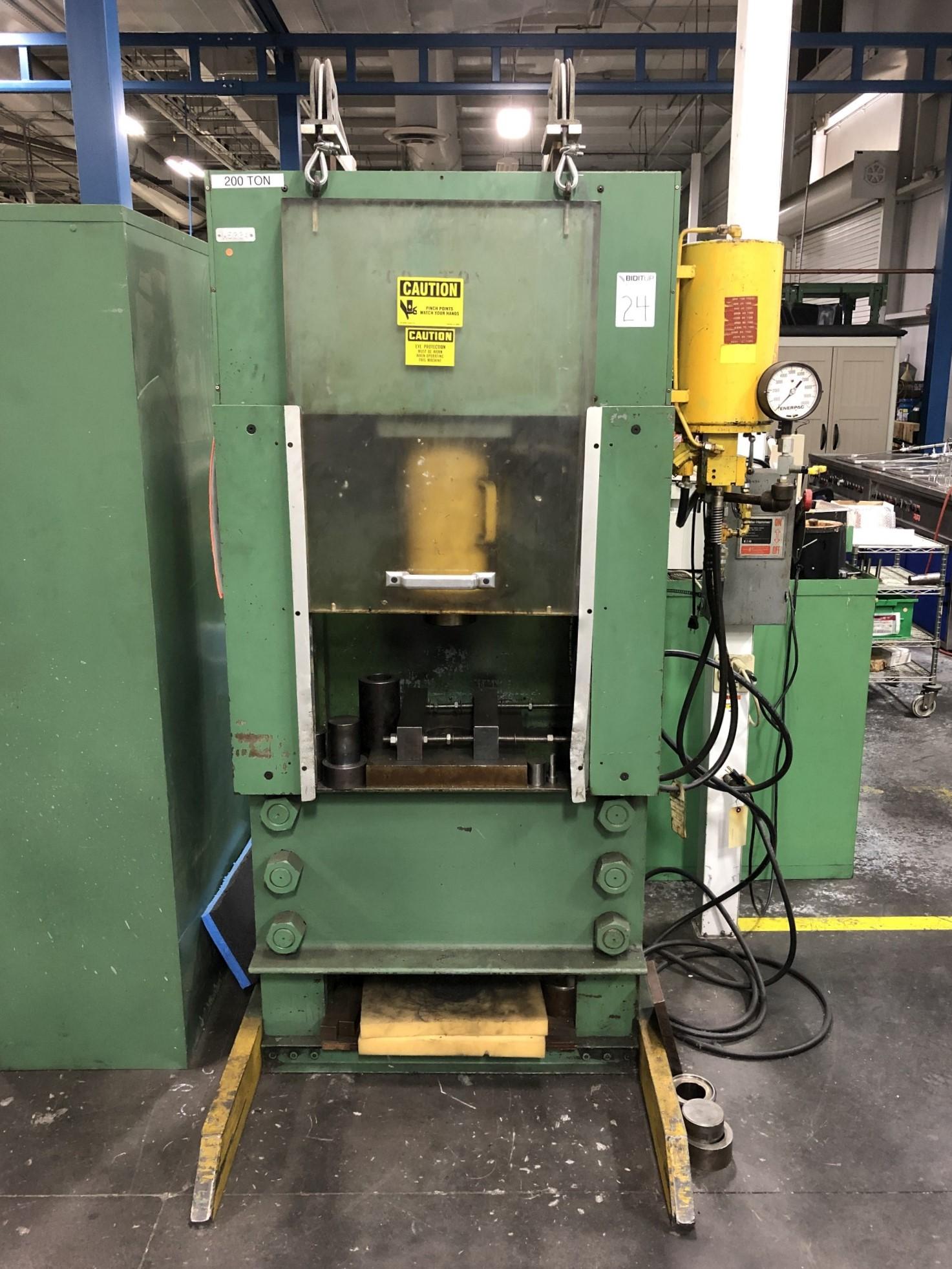 Dake 200 Ton Hydraulic Press