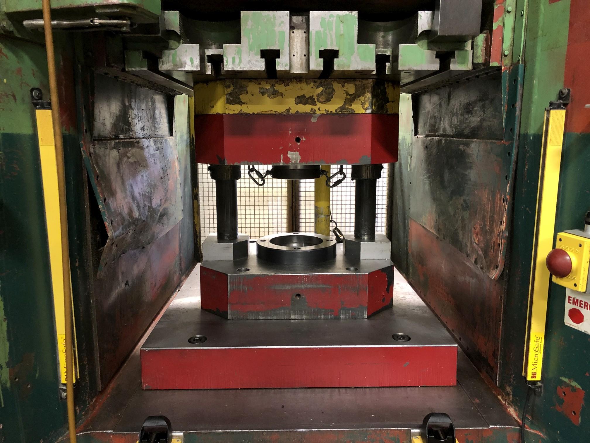 1000 Ton Komatsu Maypress Knuckle Joint Press - Image 3 of 23
