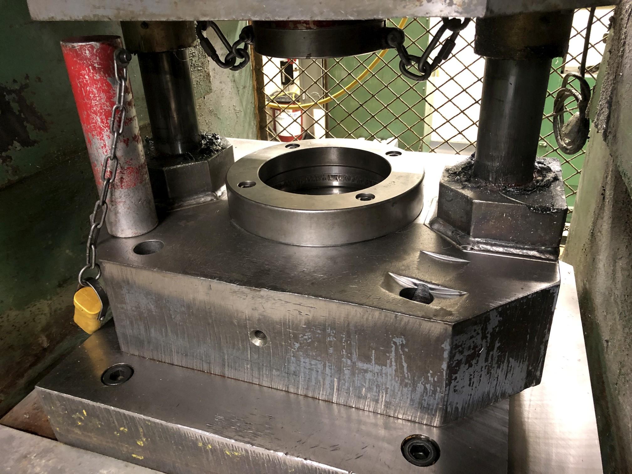 800 Ton Komatsu Maypress Knuckle Joint Press - Image 4 of 18