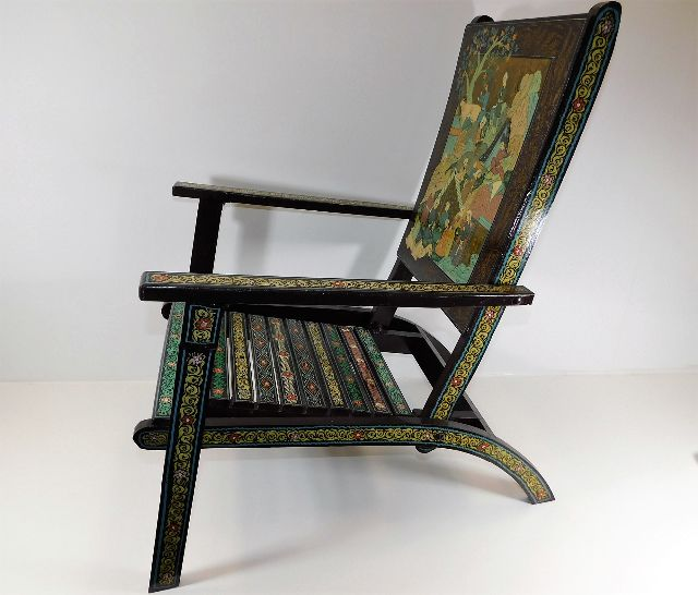 Lot 31 - A small folding chair with chinoiserie decor