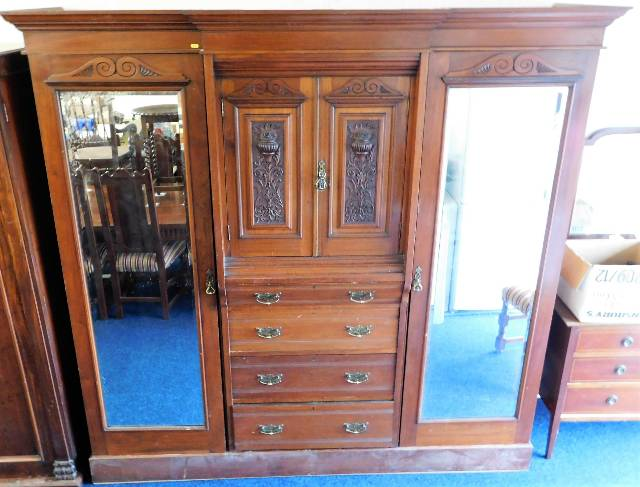 Lot 21 - A late Victorian mahogany gentleman's compactum wi