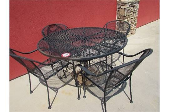 48 Quot Round Wrought Iron And Expanded Metal Patio Table And