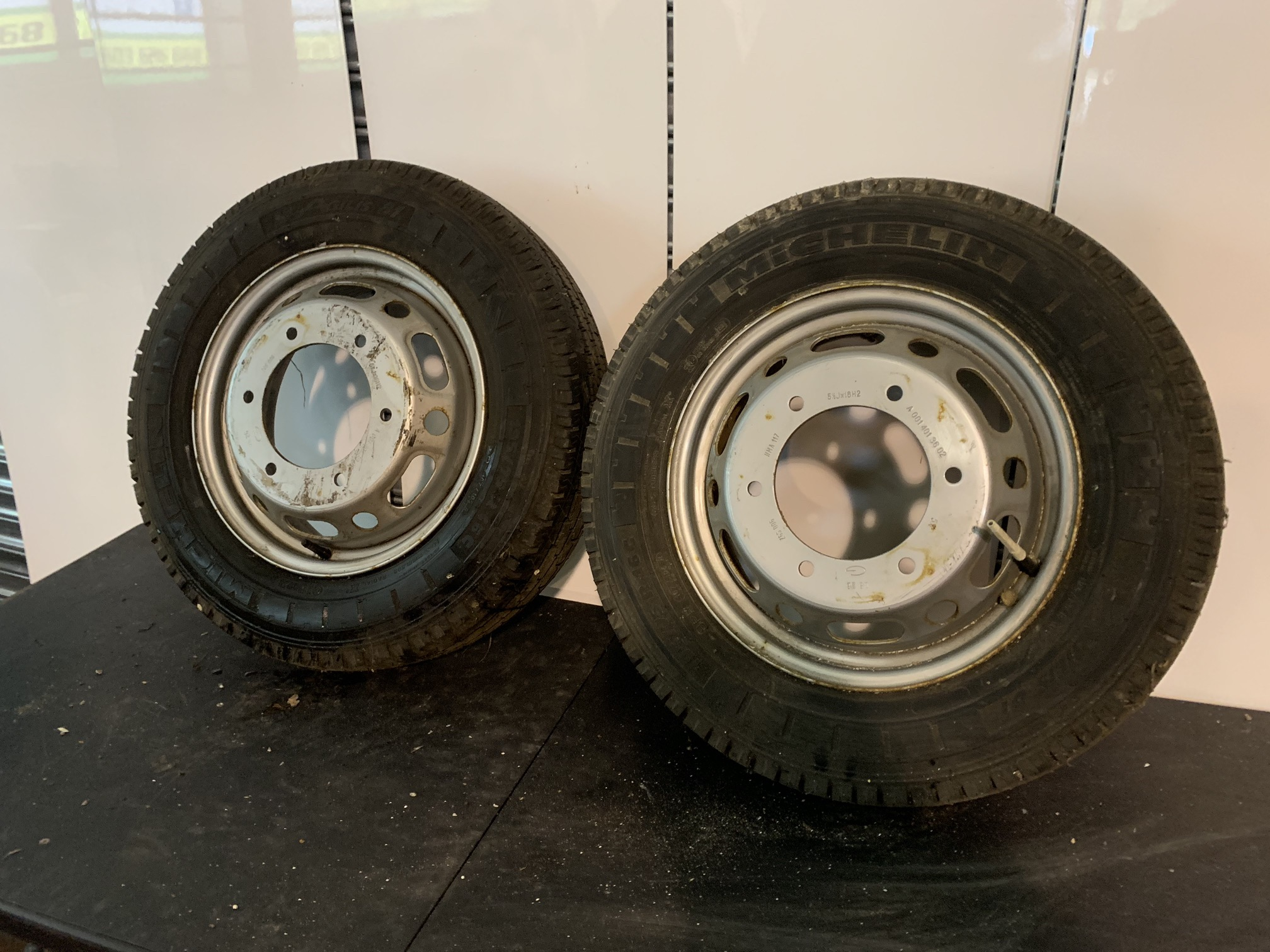 Lot 53 - 2 X VW VOLKSWAGEN CRAFTER WHEELS & TYRES DONE 12 MILES ONLY
