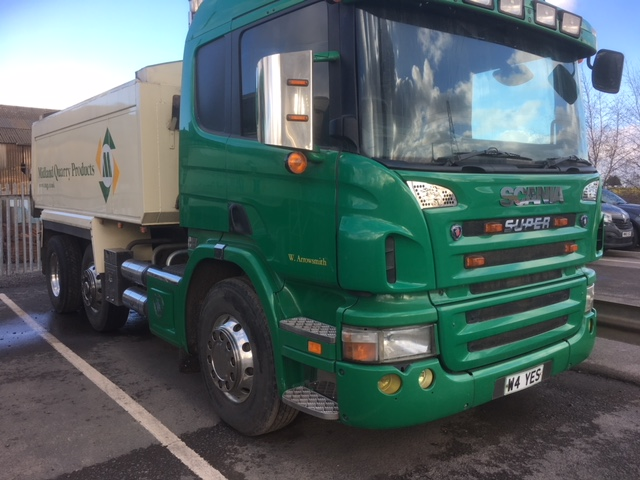 2006 (Jan) SCANIA 6 x 2 rigid TIPPER, 24,500kg gross, 8970cc, insulated tipper body with sheeting