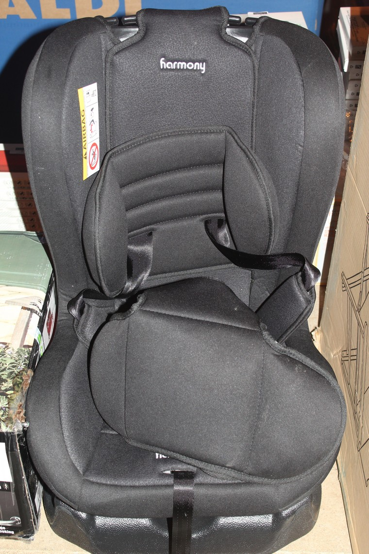 Lot 40 - Harmony Black Children's Car Seat RRP £55 (Public Viewing and Appraisals Available)