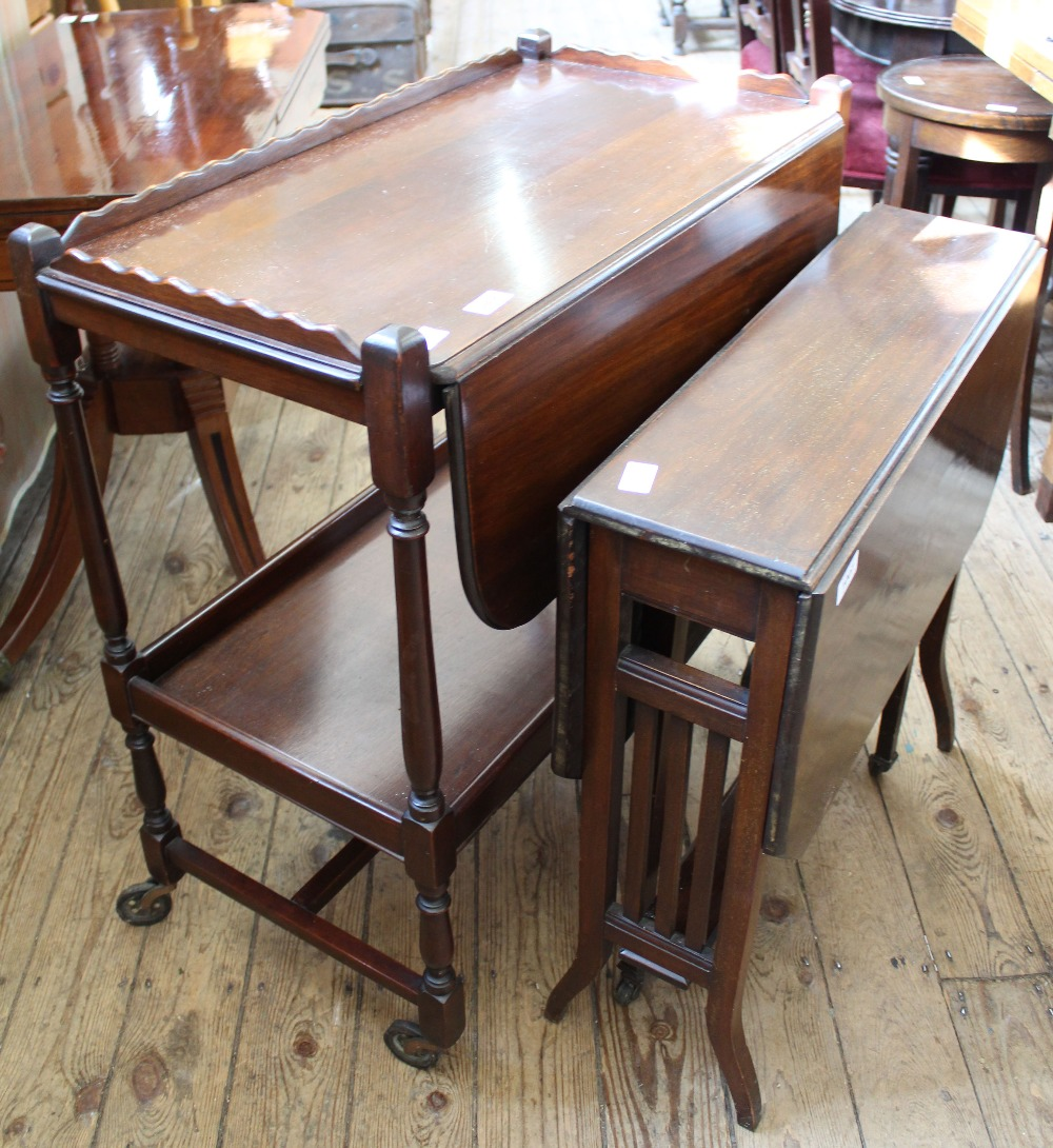 Lot 1007 - A flap leaf tea trolley and a small gate leg table