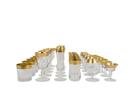 GLÄSERSERVICE IN DER ART VON MOSER KARLSBAD  bestehend aus 6 Wasser-, 5 Cognac-, 6 Whisky-, 6 Likör-, 5 Weingläsern und 6 S