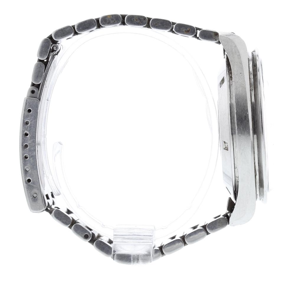 Lot 15 - Omega Speedmaster Professional chronograph 'Moon' stainless steel gentleman's bracelet watch, ref.