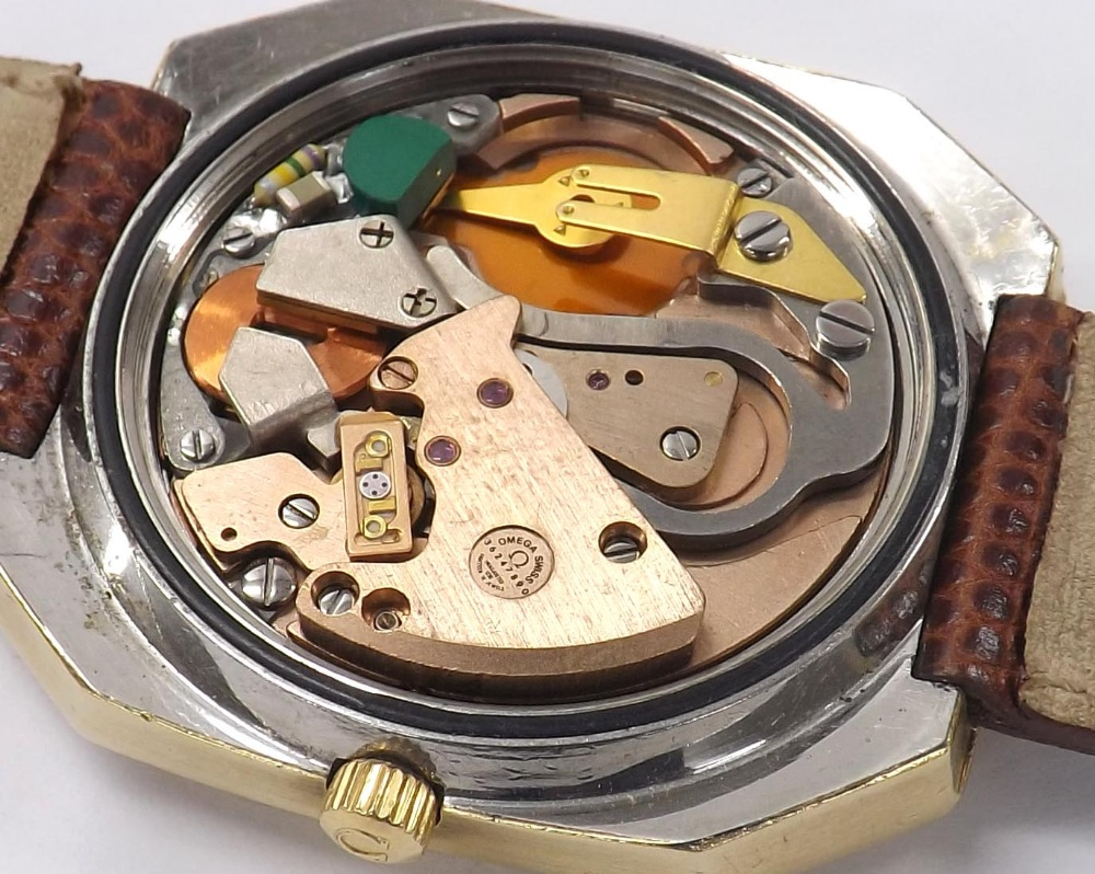 Lot 3 - Omega Constellation Chronometer Megasonic 720Hz octagonal cased gold plated and stainless steel