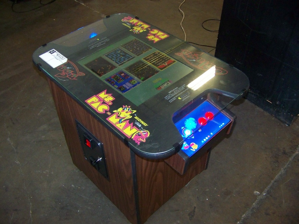 Check pictures for details. NOTE: NEW CABINET. LCD MONITOR 60 CLASSIC GAMES IN 1 LIGHTED JOY