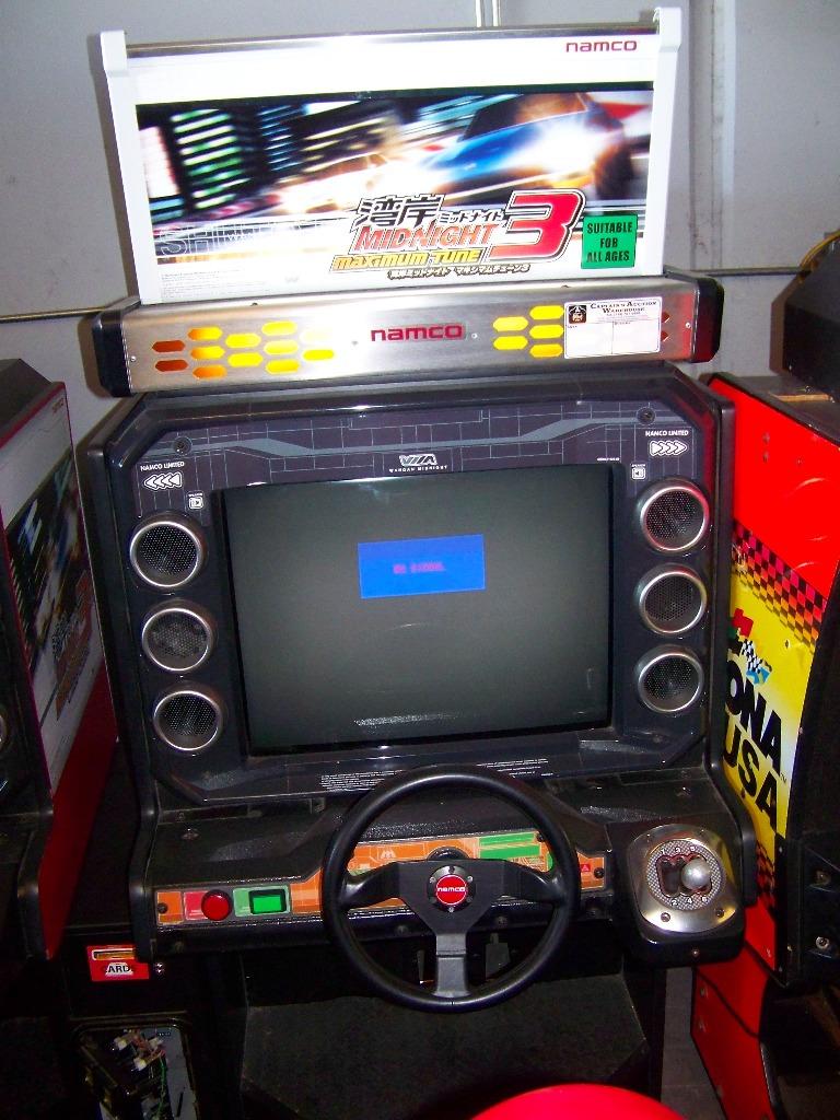 MAXIMUM TUNE 3 SITDOWN DRIVER ARCADE GAME - Image 5 of 7