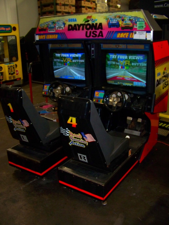 DAYTONA USA TWIN DRIVER ARCADE GAME SEGA