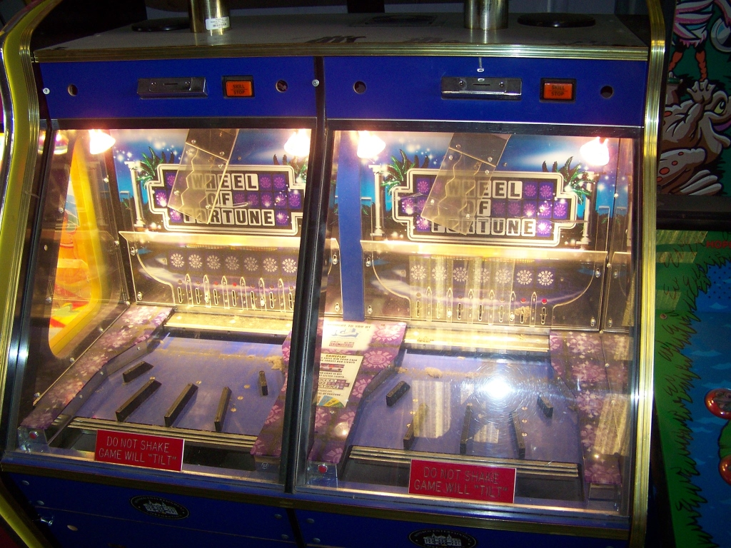 WHEEL OF FORTUNE DUAL PUSHER TICKET REDEMPTION ICE - Image 2 of 4
