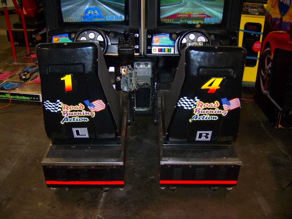DAYTONA USA TWIN DRIVER ARCADE GAME SEGA - Image 4 of 6