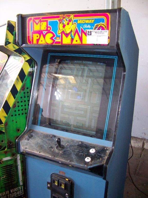 MS. PACMAN UPRIGHT DYNAMO ARCADE GAME - Image 3 of 3