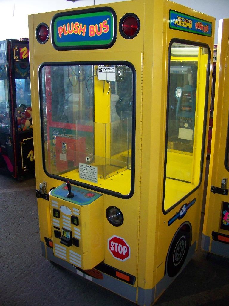 "42"" PLUSH BUS CLAW CRANE MACHINE - Image 3 of 5"