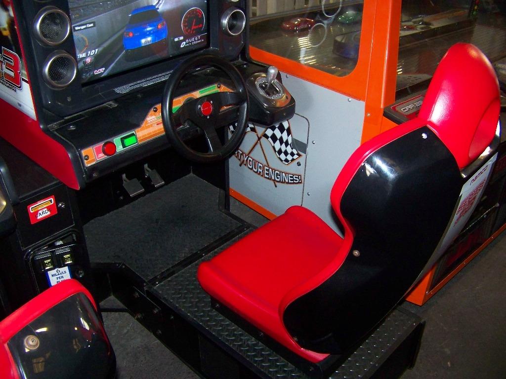 MAXIMUM TUNE 3 SITDOWN DRIVER ARCADE GAME - Image 3 of 7