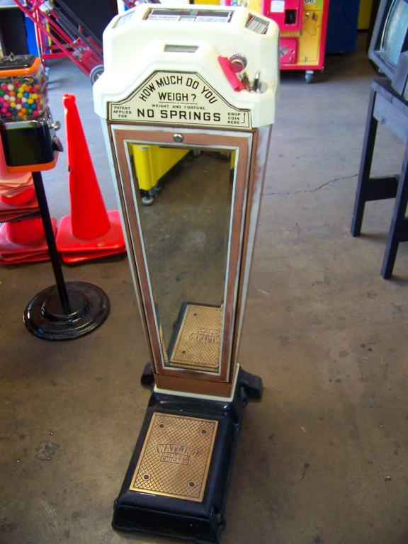 Lot 18 - WATLING ANTIQUE WEIGHT SCALE NOVELTY COIN OP
