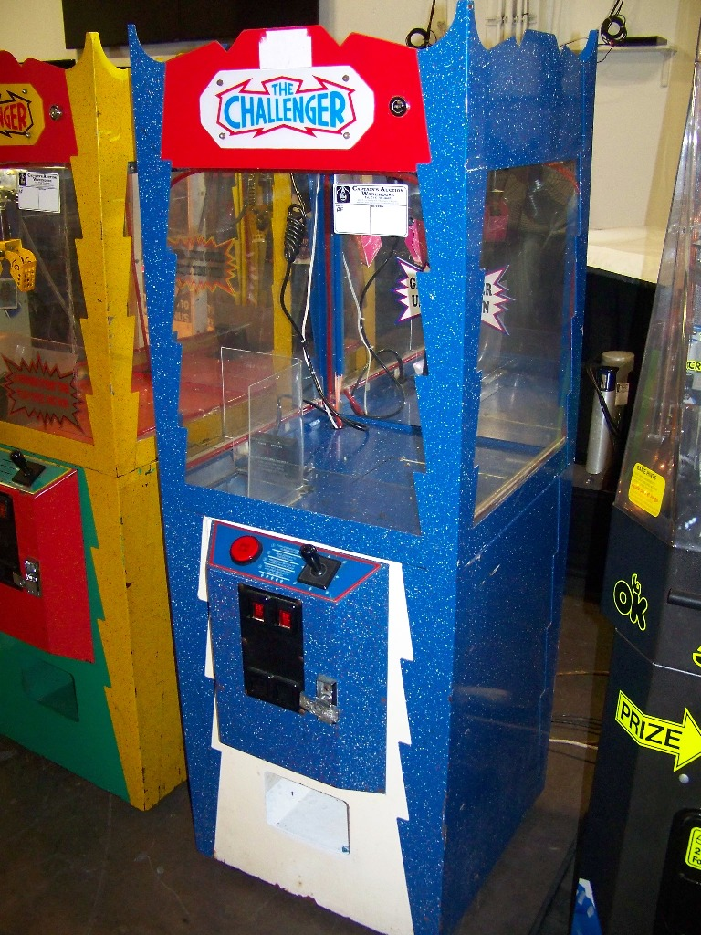 "24"" CHALLENGER CANDY SHOVEL CRANE MACHINE BLUE - Image 2 of 2"