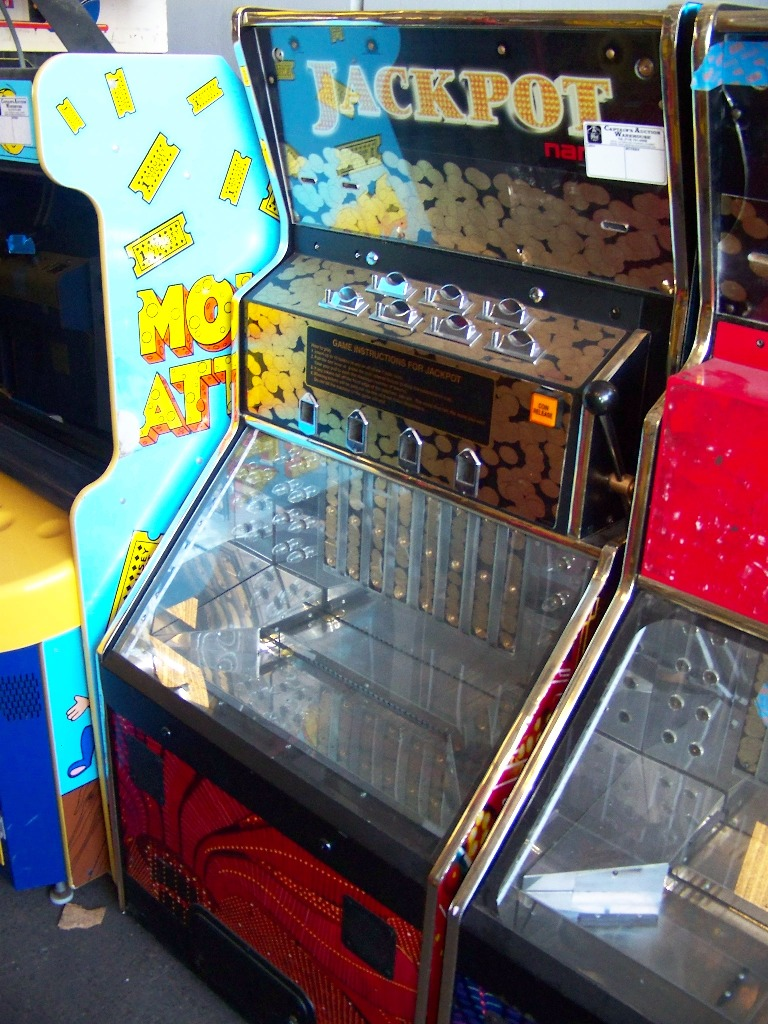 JACKPOT PUSHER TICKET REDEMPTION GAME NAMCO - Image 2 of 2