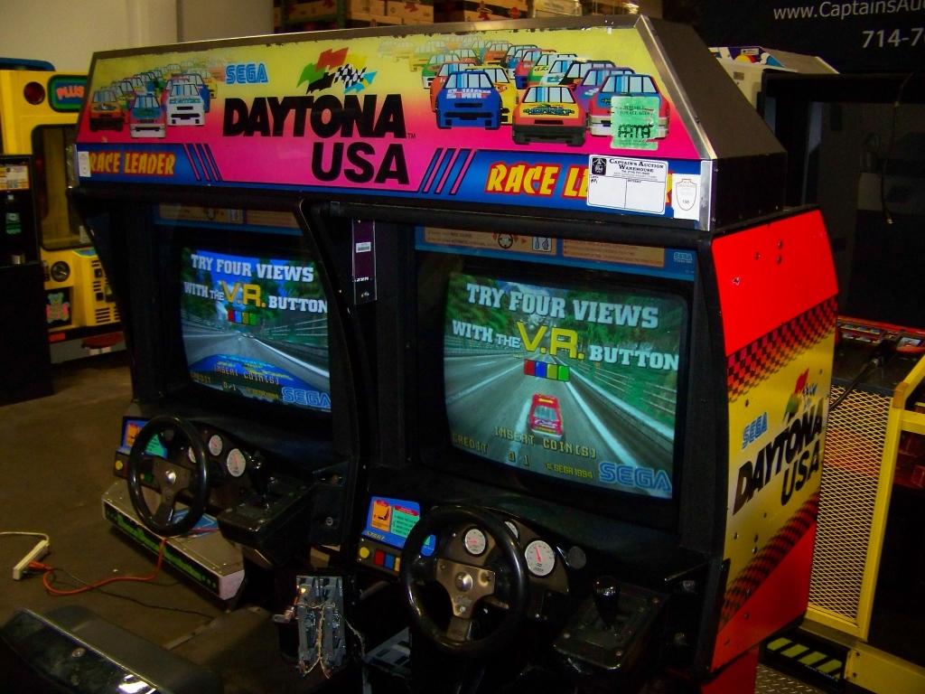 DAYTONA USA TWIN DRIVER ARCADE GAME SEGA - Image 3 of 6