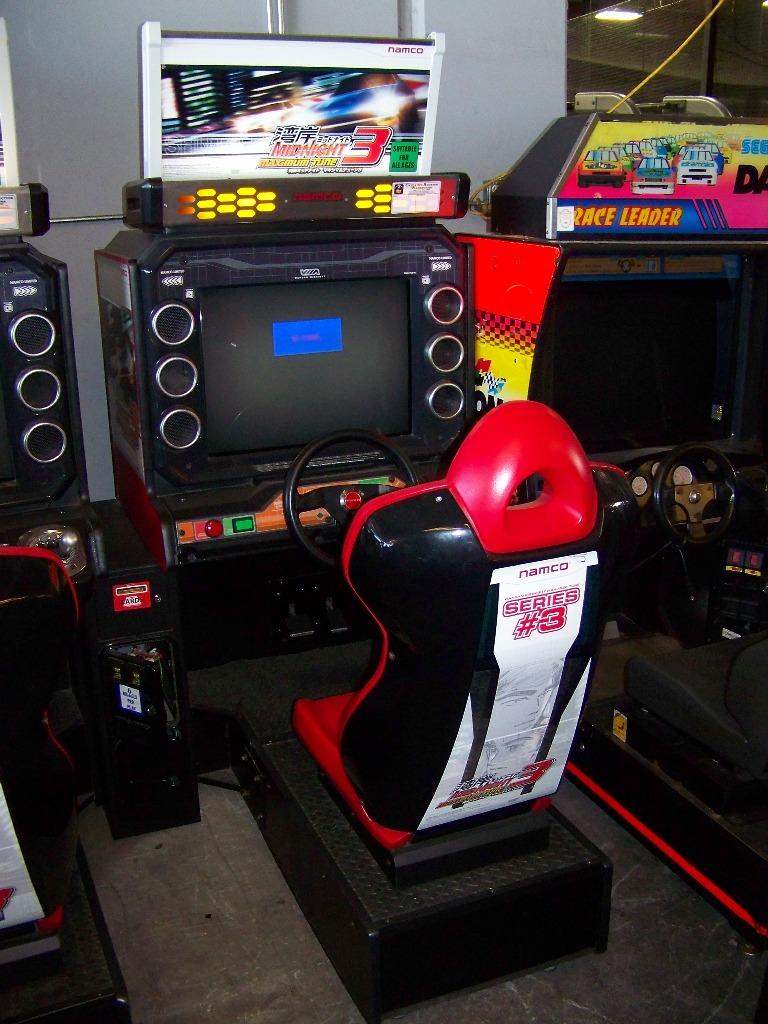 MAXIMUM TUNE 3 SITDOWN DRIVER ARCADE GAME - Image 4 of 7