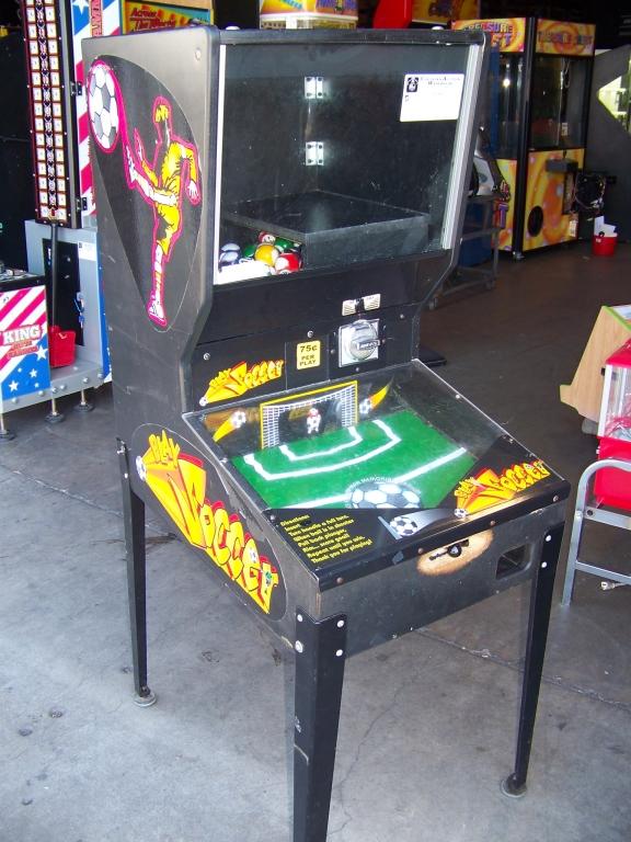 Lot 22 - PLAY SOCCER BULK VENDING GAME