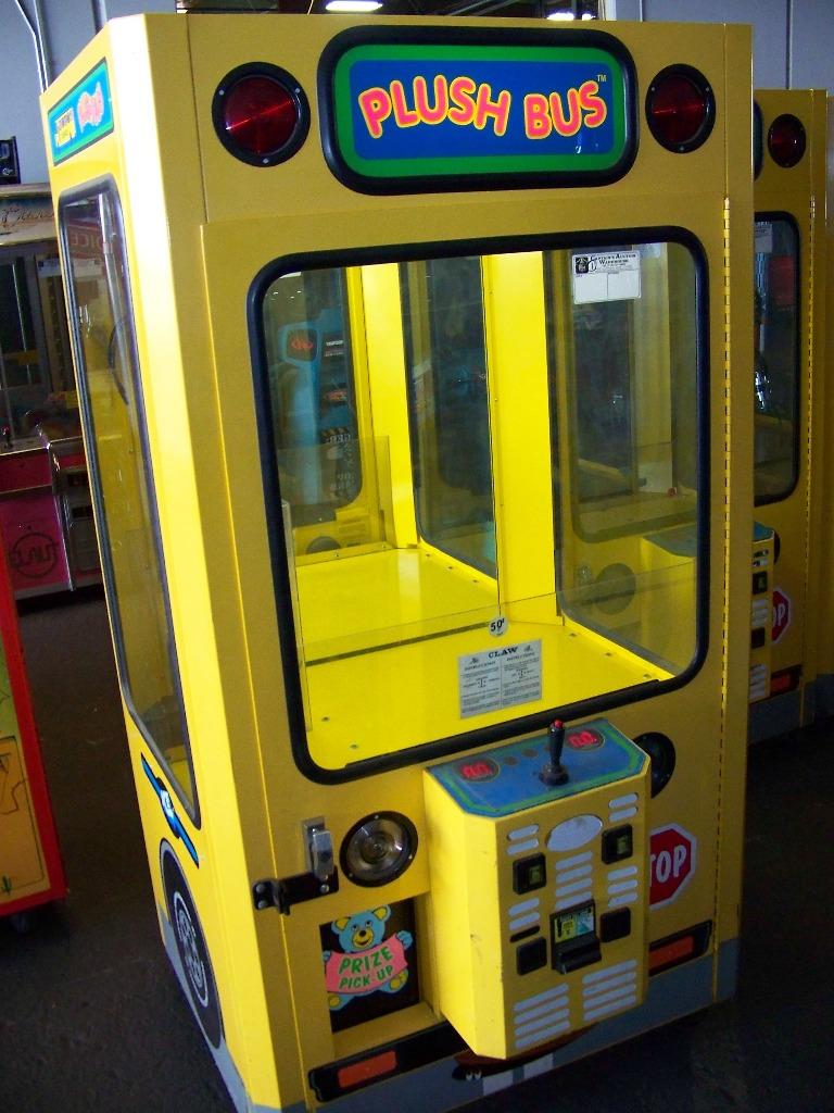 "42"" PLUSH BUS CLAW CRANE MACHINE - Image 2 of 5"