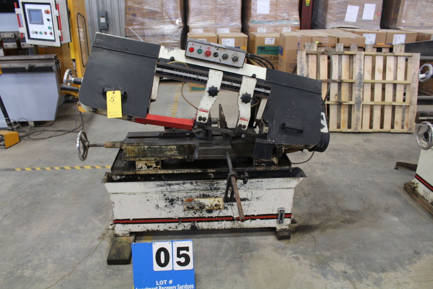 "Lot 5 - JET HORIZONTAL COLD CUT BAND SAW, MULTI SPEED, 18"" CUTTING CAP"