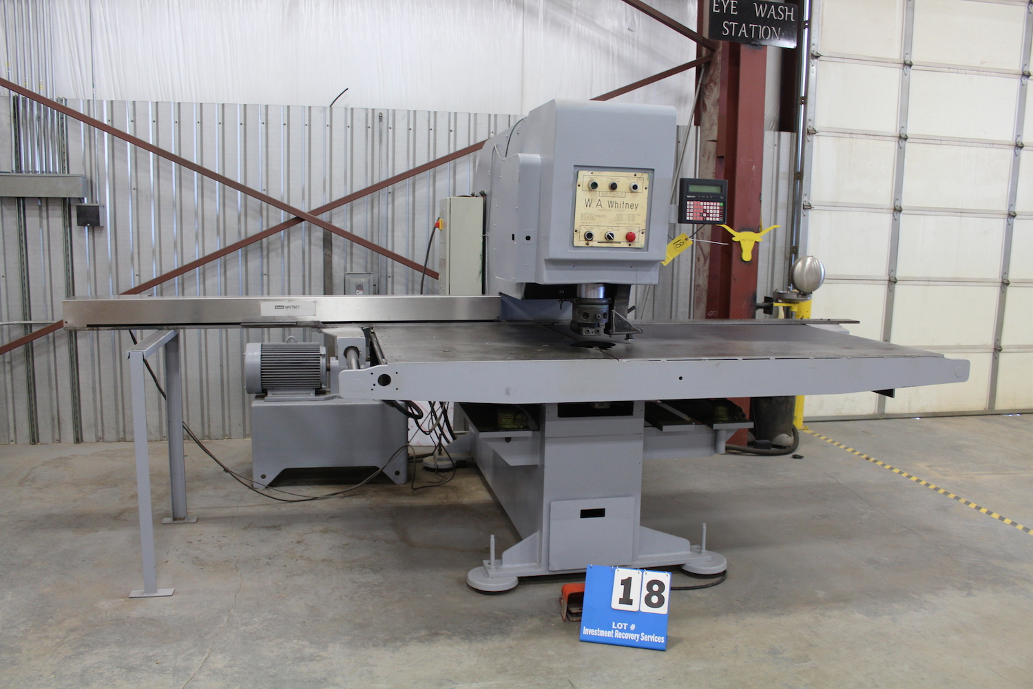 "Lot 18 - W.A. WHITNEY MDL: 652-50 PUNCH, 50 TON CAP, 30"" THROAT, 8' X 4' TABLE, W/ CNC CONTROL & FEED"