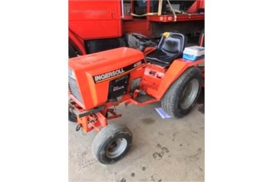 Ingersoll 4020 Tractor  Onan Performer 20 HP motor, 2 point