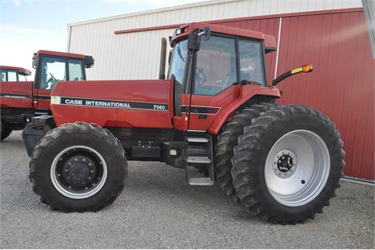 1989 case ih 7140 magnum, mfwd, 3 hyd remotes, 18-speed powershift, 1000  pto, front weights, 380/