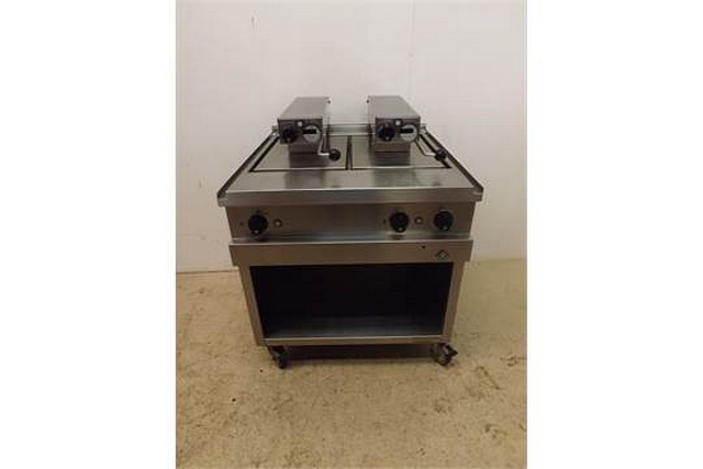 Lot 80 - MKN Optima 850 electric clam char-grill precise thermostatic temperature control for consistent
