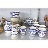 """A BLUE AND WHITE """"CAULDON"""" DINNER SERVICE 30 PIECES"""
