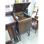 'HIS MATSTERS VOICE' MODEL 156 OAK CASED GRAMOPHONE, HINGED LID WITH CANTED TOP OVER TWO DOOR
