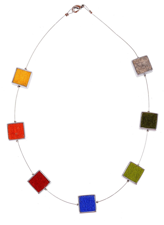 Lot 67 - Anita Manning's Necklace