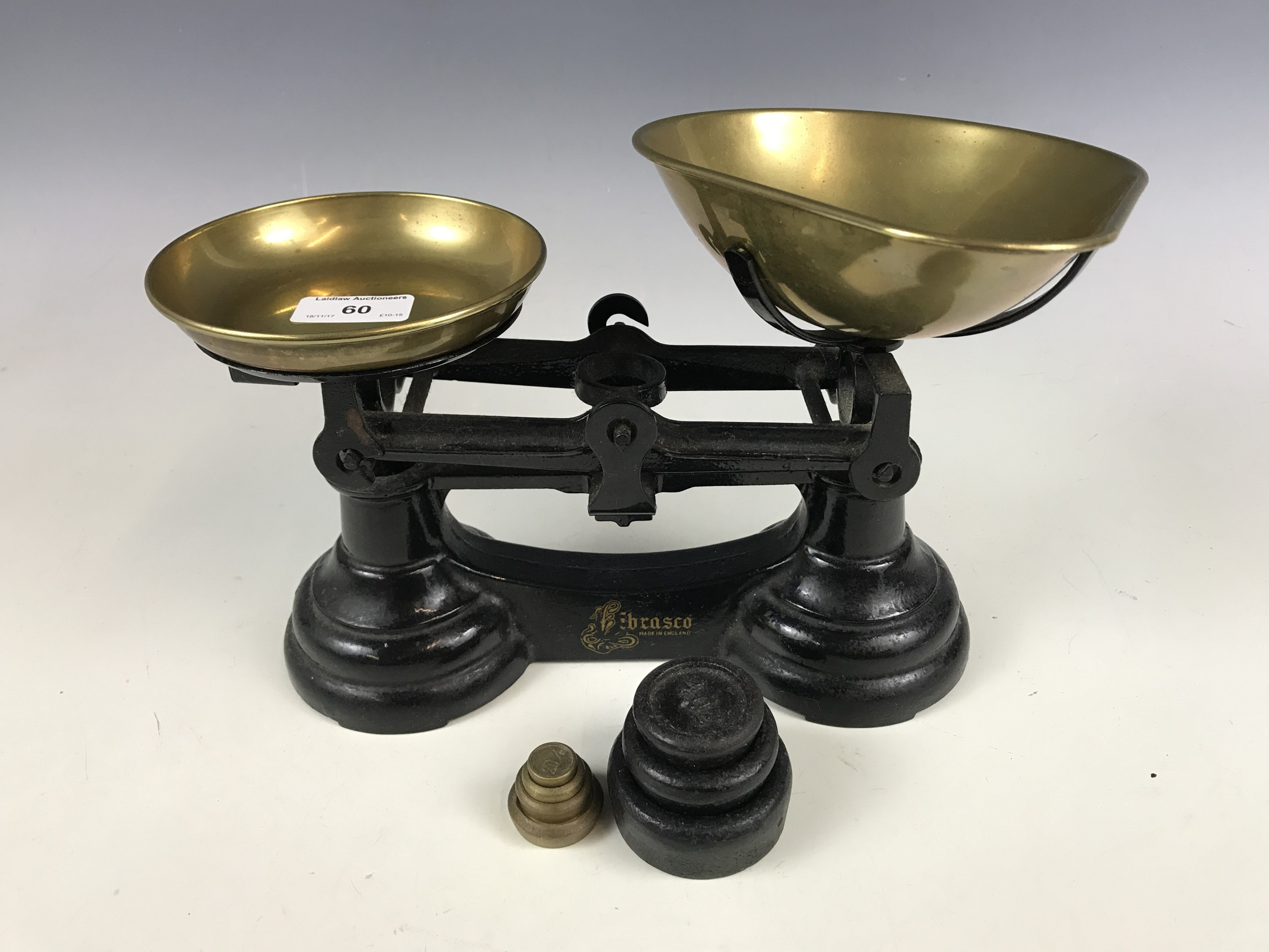 Lot 59 - A set of Brasco kitchen scales and weights