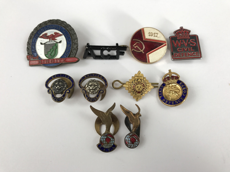 Lot 15 - Vintage Civil Defence and other association badges