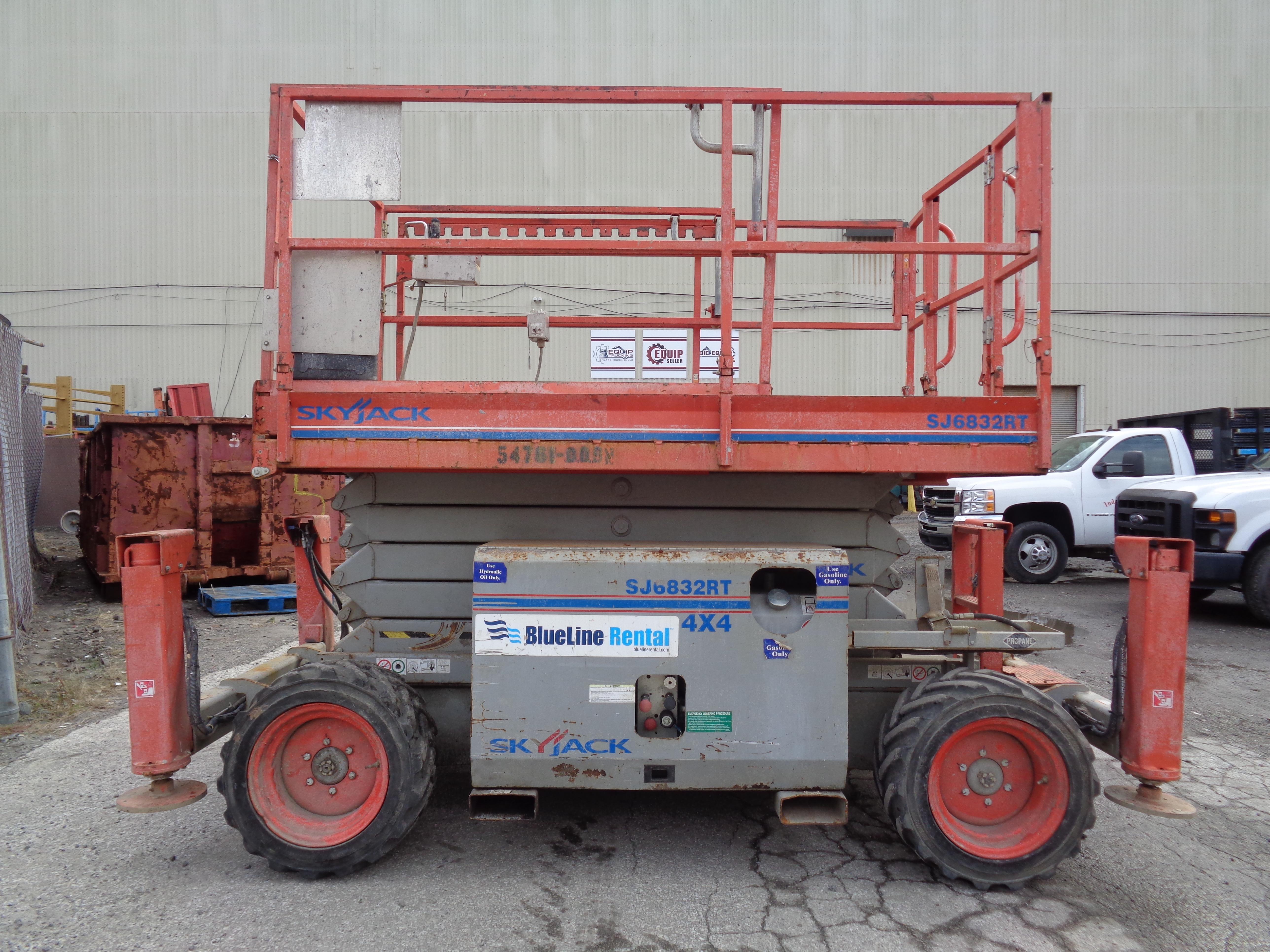 Lot 49A - 2011 Skyjack SJ 6832RT 4x4 Scissor Lift - 32Ft Height