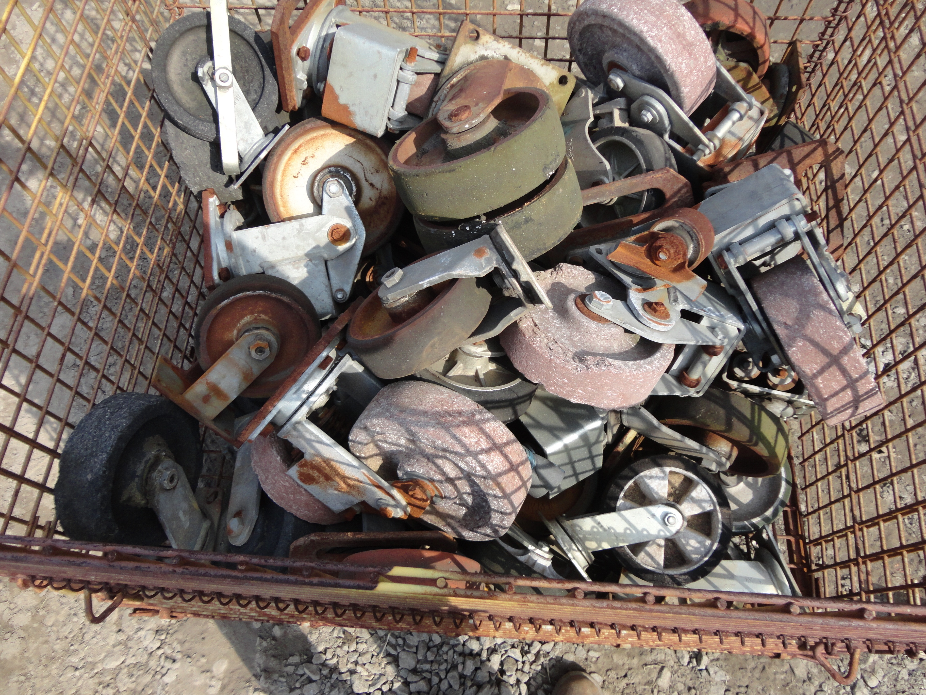 Lot 28A - Lot of Casters
