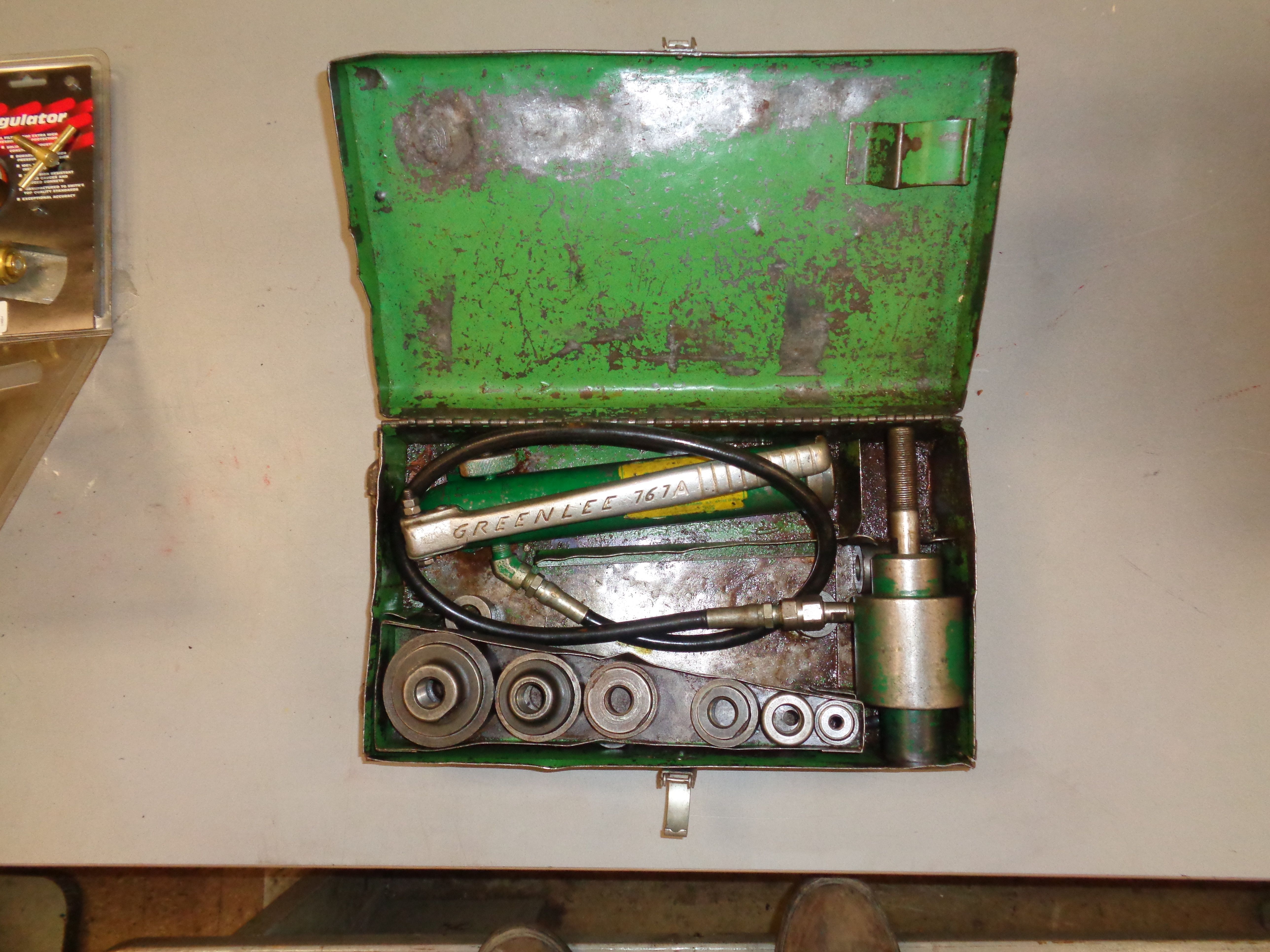 Lot 15 - Greenlee Hydraulic Knock Out Set