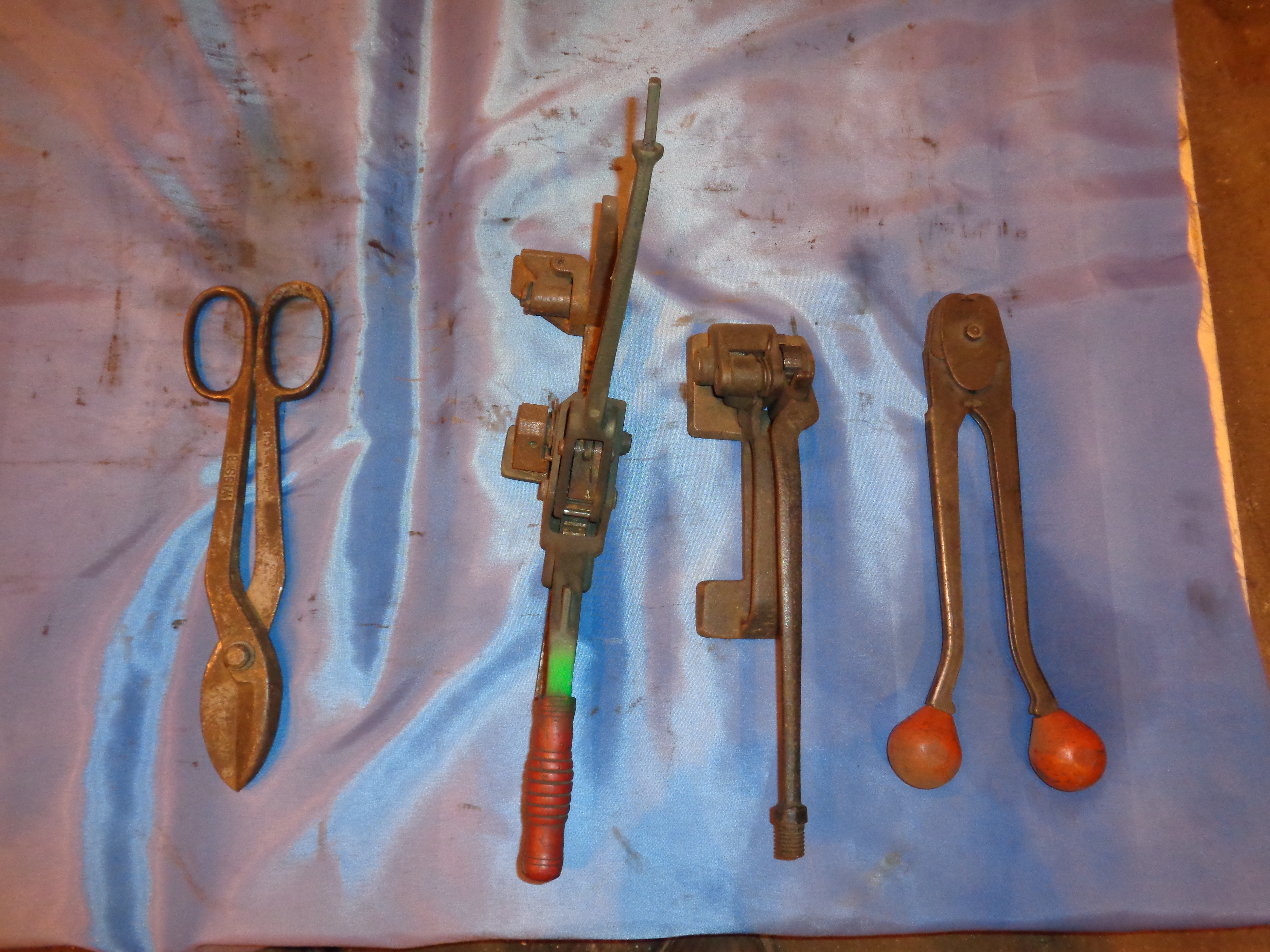 Lot 6 - 3/4 Banding Tools