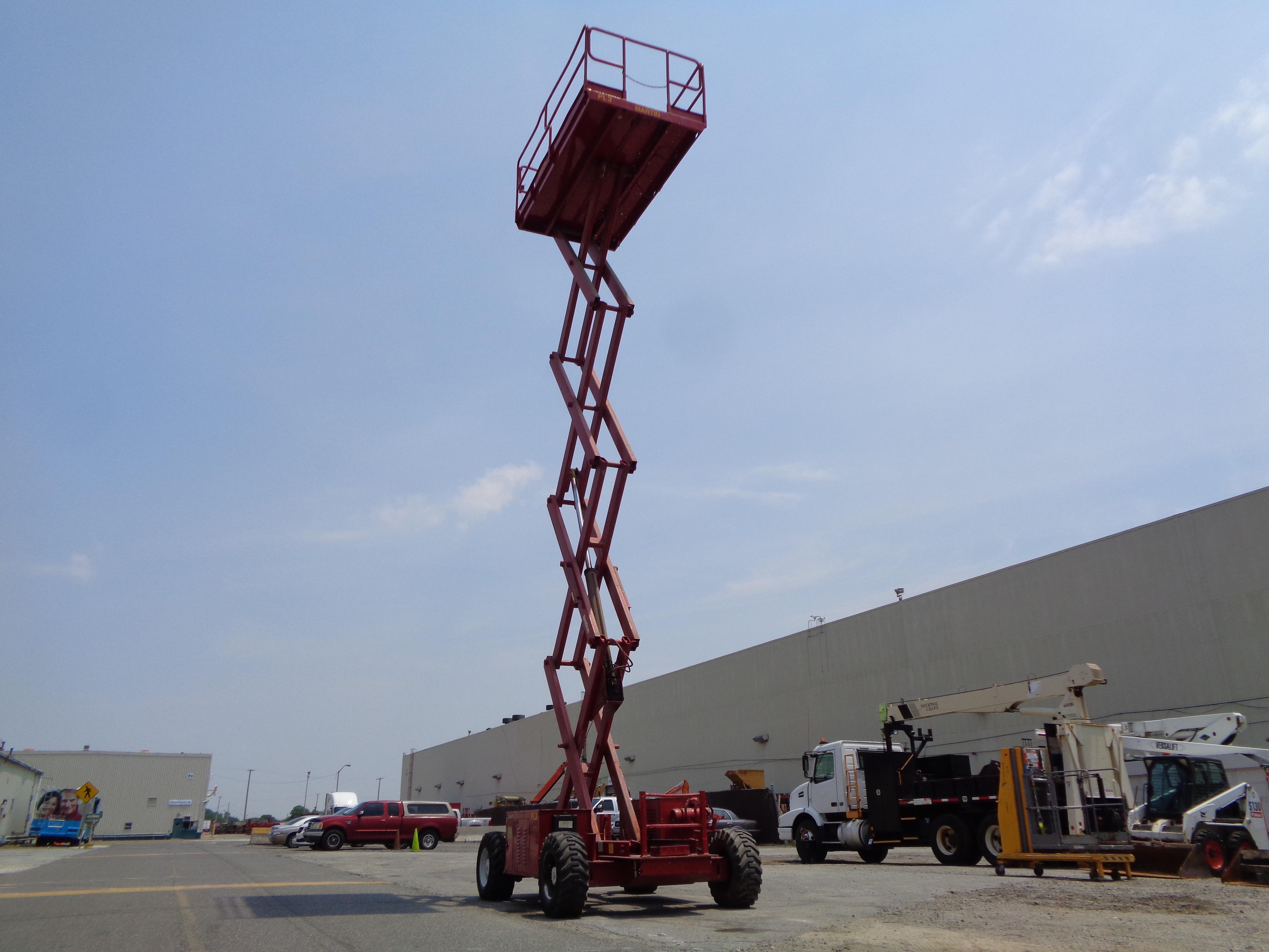 Lot 50A - JLG 33RTS Rough Terrain 4x4 Scissor Lift