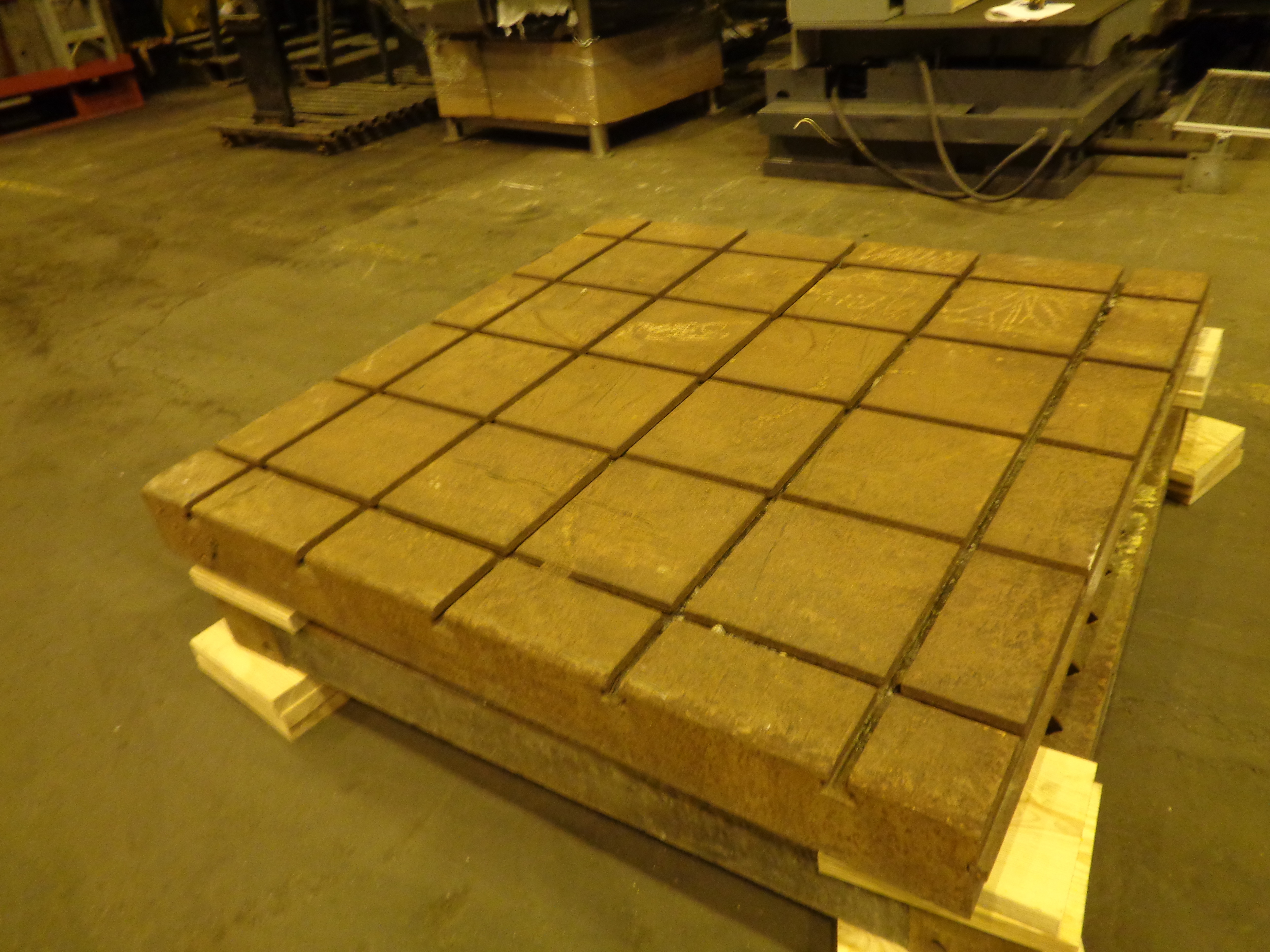 Lot 37 - T SLOTTED CAST IRON BOLSTER PLATE