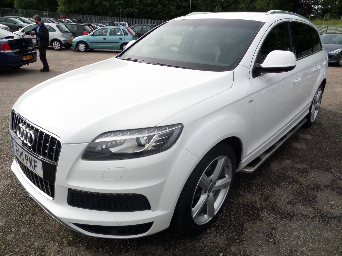 audi q7 s line tdi quattro a 2967cc estate reg no eu11pkf d f r 16 may 11 miles. Black Bedroom Furniture Sets. Home Design Ideas
