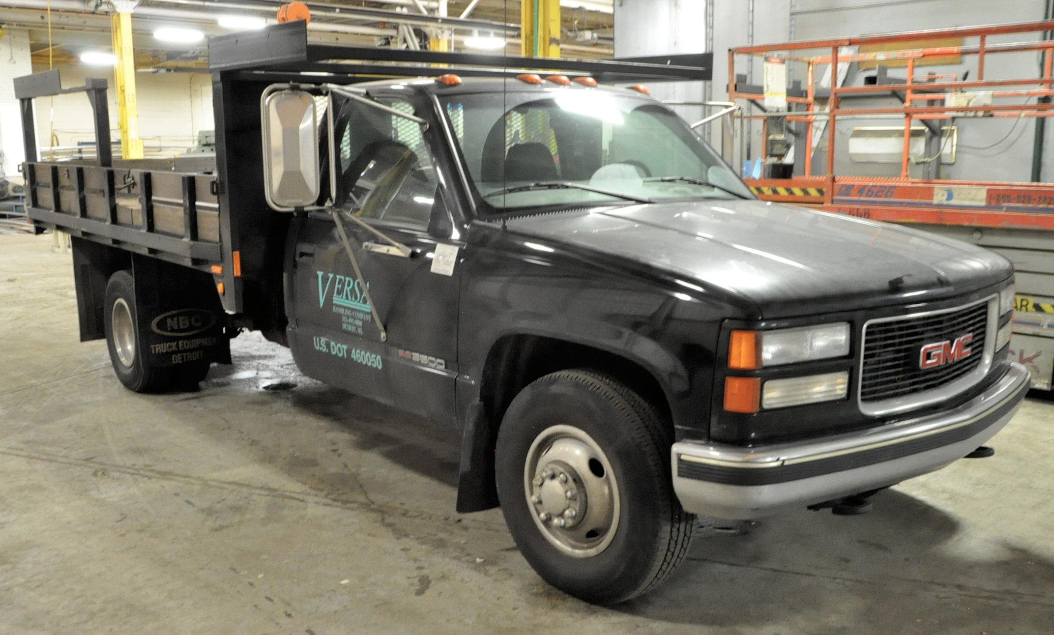 2000 GMC Sierra C3500 SLE, 12' x 8' Stake Truck - Image 2 of 5