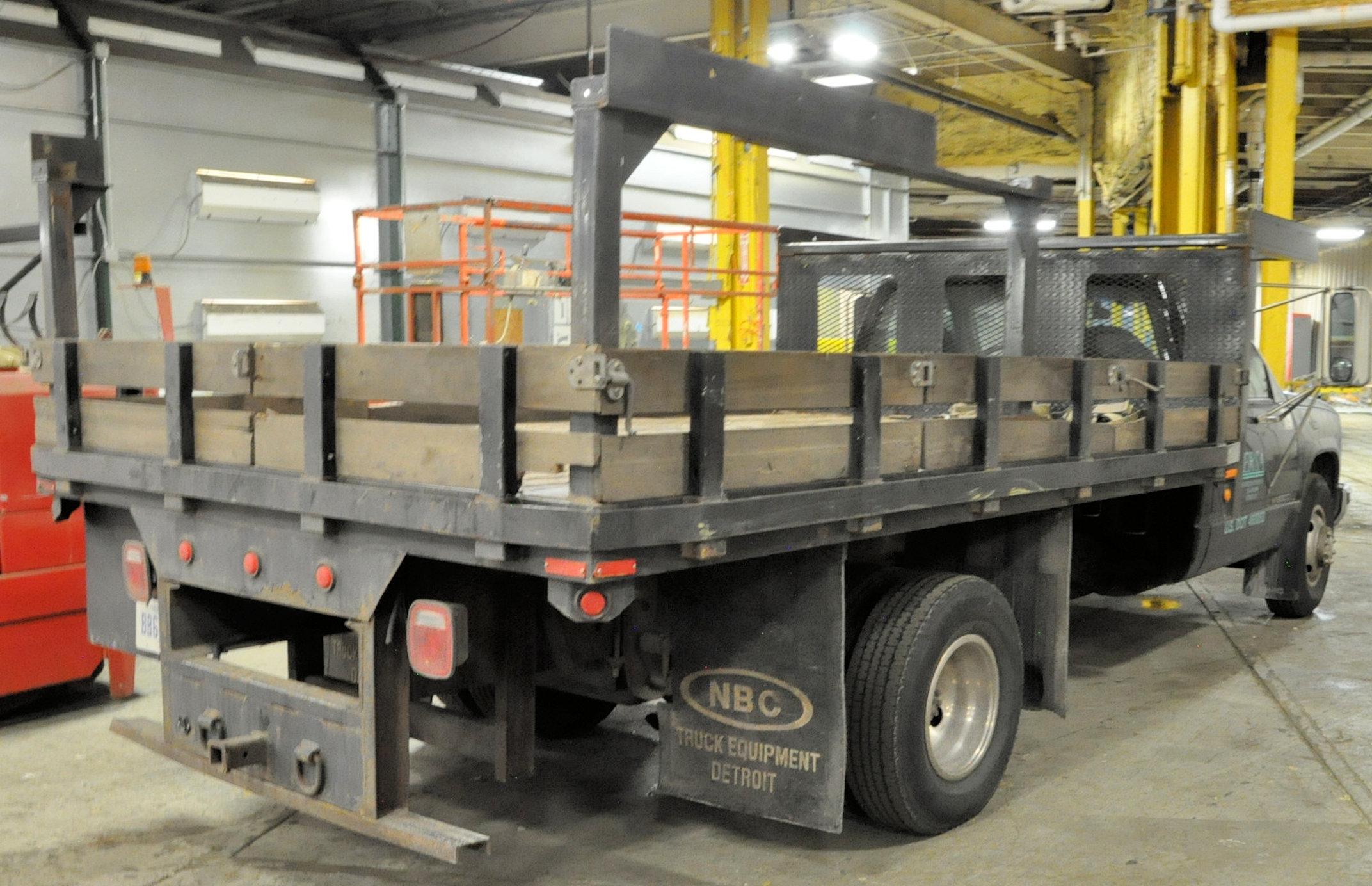 2000 GMC Sierra C3500 SLE, 12' x 8' Stake Truck - Image 3 of 5