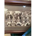Box of 18 framed and glazed prints and photographs.